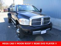 New Price! ** CLEAN CARFAX **, Sunroof / Moonroof,