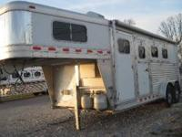 2007 Elite 3 HORSE Mustang 4' Short Wall Full Living