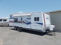 2007 FLEETWOOD REDLINE TOY HAULER Model: 260FSE 29 FT