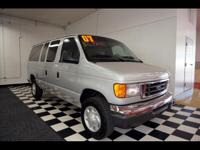 Exterior Color: silver, Body: Van, Engine: 5.4 8 Cyl.,