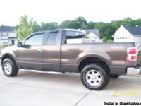 2007 FORD F150 XLT Super Cab. immaculate condition. Has