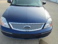 Exterior Color: dark blue pearl, Body: Sedan, Engine: