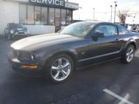 2007 Ford Mustang 2dr Car GT PREMIUM Our Location is: