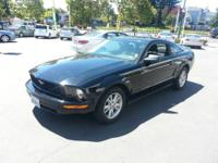 2007 Ford Mustang 2dr Cpe Deluxe Our Location is: Marin