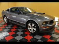 2007 Ford Mustang Coupe GT Deluxe REALLY NICE 07 FORD