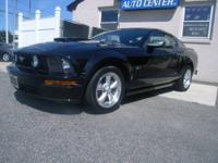 2007 FORD MUSTANG GT **1 OWNER CLEAN CARFAX AND