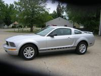 Clean 2007 Ford Mustang coupe- 4.0 V6 for great MPG,