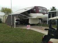 2007 Forest River Cedar Creek 5th Wheel. Like New 2007