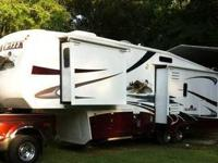 2007 Forest River Cedar Creek M-36RK. Private owner is