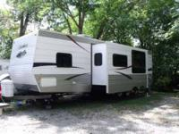 2007 Forest River Cherokee 32B Travel Trailer Towed