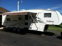 Selling a 2007 Forrest River Wildcat camper in great