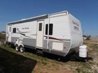 2007 Four Winds Dutchmen Travel Trailer. One 12ft slide
