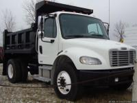 FOR SALE IS A 2007 SINGLE AXLE FREIGHTLINER BUSINESS