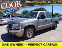 * ONE OWNER!! * - PERFECT CARFAX REPORT / SERVICE