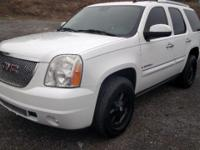 2007 GMC Yukon Denali This truck is fully loaded power
