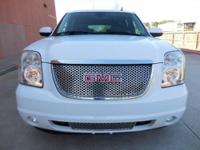 2007 GMC YUKON Denali XL AWD, Navigation, rear camera,