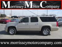 Exterior Color: beige, Body: SUV, Engine: 5.3L V8 16V