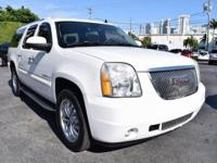 Yukon XL Denali, AWD, Summit White, Light Tan