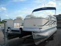 Descripción 2007 Godfrey Sweetwater 17' Pontoon Boat