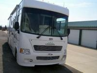 2007 Gulf Stream 35 FOOT CLASS A MOTORHOME WITH 2