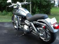 2007 Harley Davidson CVO Screamin Eagle Dyna, Show room