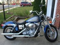 2007 Dyna Super Glide: low miles, aftermarket Corbin
