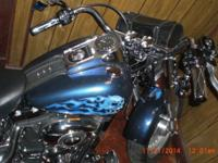 Very nice 07 Harley custom paint and fenders and lots