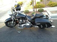 2007 Harley Davidson FLHRS Road King Custom. Nice bike