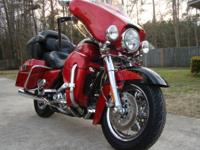 Low Mileage, 2007 FLHTCUSE2 Screamin Eagle. Excellent