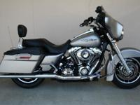 ONE OWNER , LOW MILE MINT CONDITION STREET GLIDE, HAS