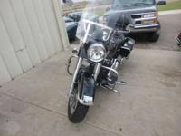 Detachable windscreen. the Road King is packed to the