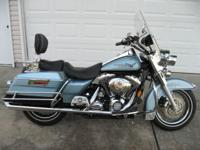 2007 Road King... Blue Suede/Vivid Black...14k