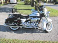 2007 HARLEY-DAVIDSON ROAD KING CLASSIC FLHRC, The bike