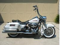 2007 Road KingLooks and rides perfect ZERO ISSUES on