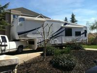 PRICE REDUCED! Beautiful 5th-wheel trailer in excellent