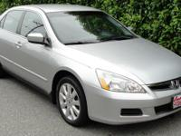 New Price! Clean CARFAX. Alabaster Silver Metallic 2007