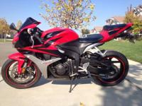2007 Honda CBR 600RR that is like new. Bike has just