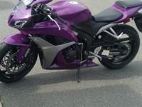 2007 Honda CBR 600rr with less than a 1000 miles on it.