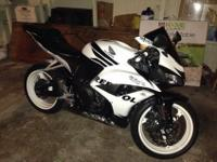 Hello there everyone I am offering my 2007 Honda CBR