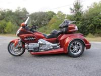 THIS 2007 HONDA GOLDWING GL1800 ROADSMITH TRIKE BY