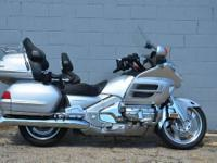 Ride in Luxury! Great running and looking Gold Wing.