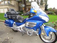 Is a beautiful blue 2007 Honda Goldwing GL1800 with