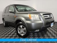 Clean CARFAX. 4WD, Power Drivers Seat, Cruise Control,