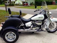 2007 Honda Shadow trike 750 like new condition pearl