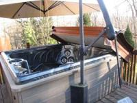 5 person hot tub, umbrella with hand crank, color burst