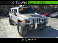 Options:  2007 Hummer H3 Sport Utility 4D|Light