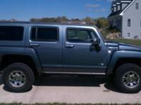 2007 Hummer H3 Fully Loaded - Sun Roof, Chrome Wheels,