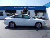 **2007 HYUNDAI AZERA LIMITED**2-OWNERS**CLEAN