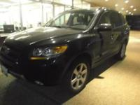 This 2007 Hyundai Santa Fe Limited is proudly offered