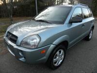 2007 Hyundai Tucson GLS 2.0L 4cyl. 1 owner. clean